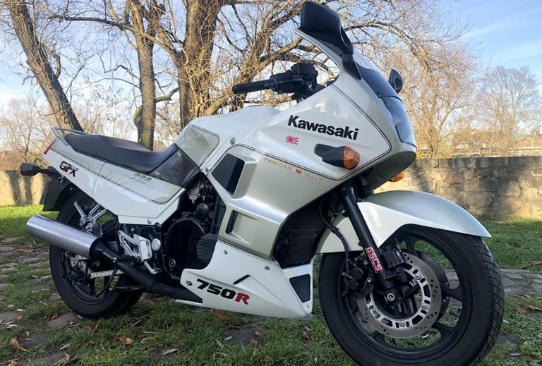 Kawasaki GPX 750 – vendue